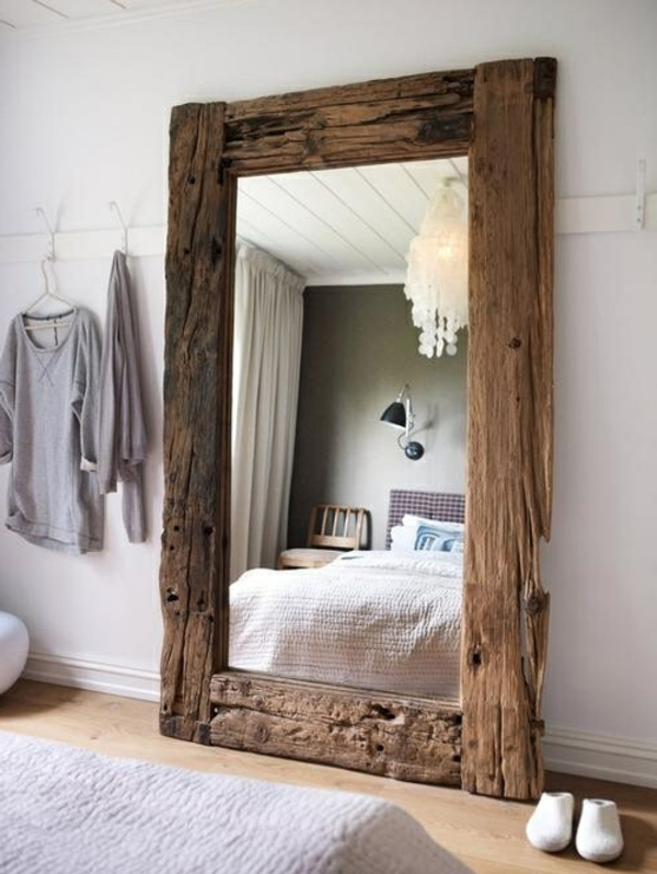 zimmer-einrichtungsideen-großartiger-spiegel-im-schlafzimmer