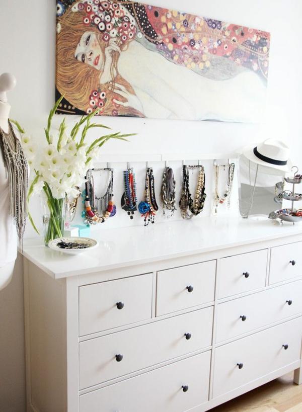zimmer-einrichtungsideen-schöner-weißer-schrank-im-schlafzimmer