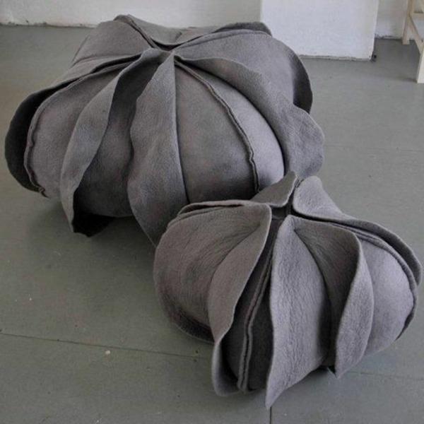 zwei-graue-schöne-boden   sitzkissen