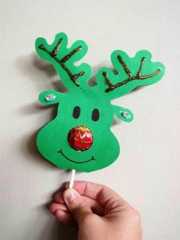 bastelideen für kindergarten - damhirschkopf aus grünem papier - sieht sehr süß aus