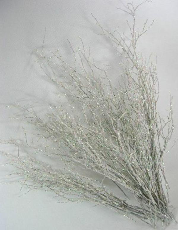 weiße weihnachtsdeko - schöne künstliche zweige