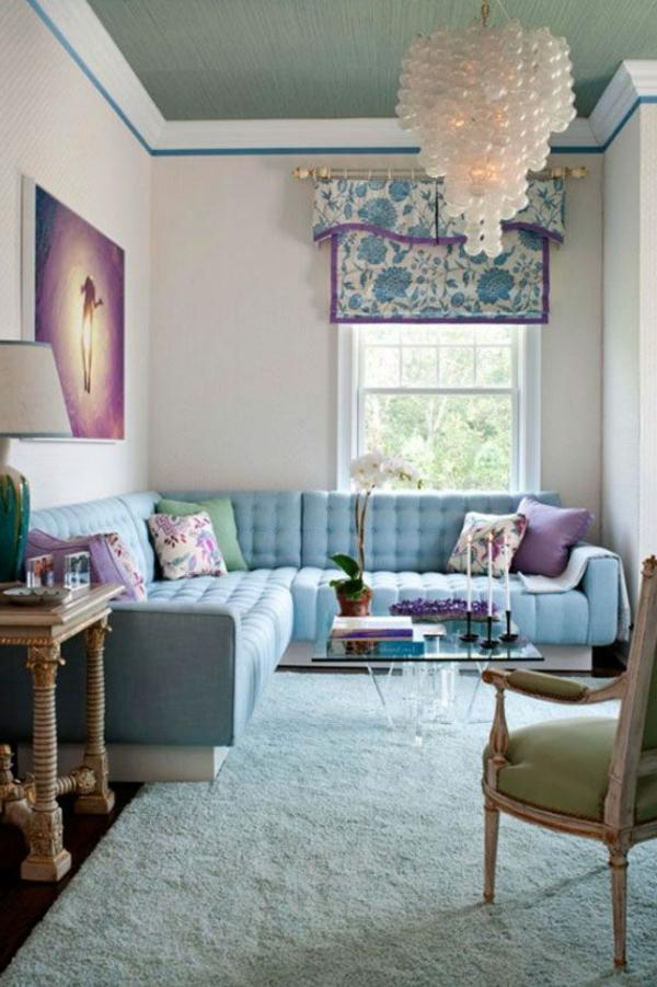 kleines wohnzimmer einrichten - moderner kronleuchter