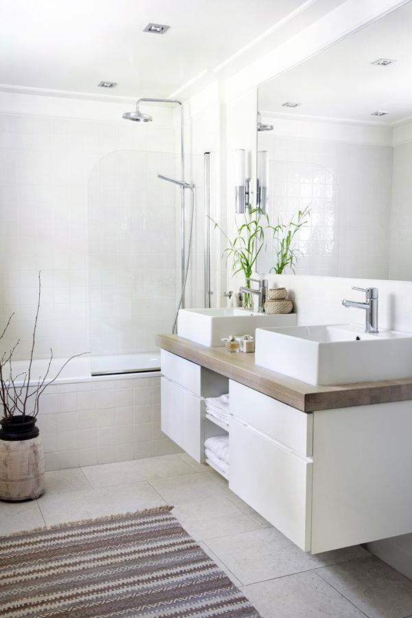 Badezimmer-einrichten-weiße-Farbe-für-die-Wände