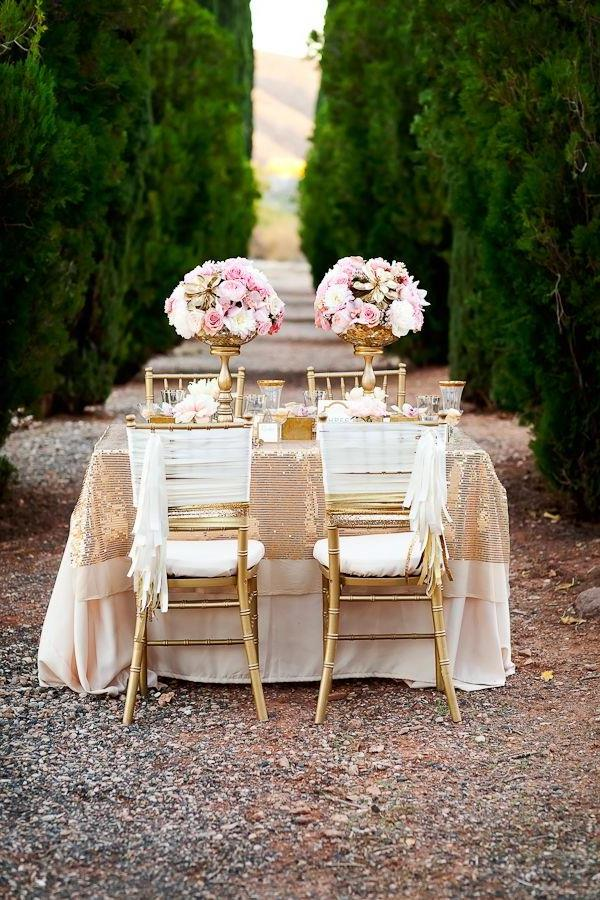 Blumendeko--Hochzeitsideen-für-eine-unvergessliche-Hochzeit-Tischdeko-