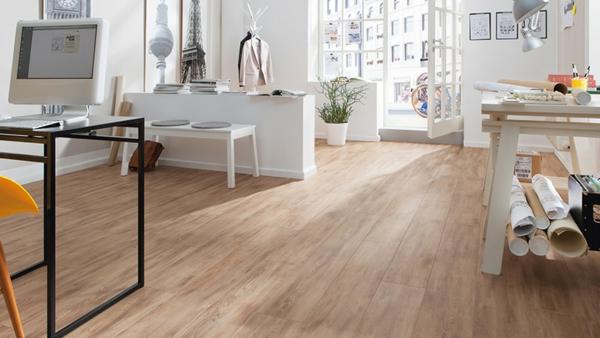moderner laminatboden 130 sch ne beispiele. Black Bedroom Furniture Sets. Home Design Ideas