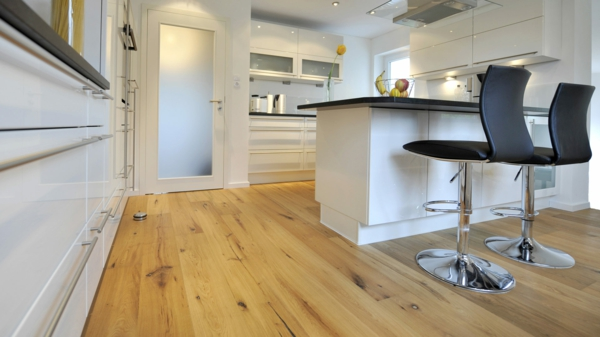 Bodenbelag-aus-Holz-für-eine-wunderbare--Atmosphäre-zu-Hause