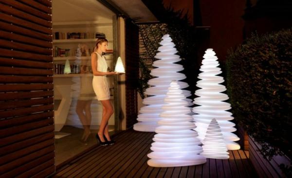 Christmas-Tree-Lighting-Chrismy-by-Teresa-Sapey-700x426-resized