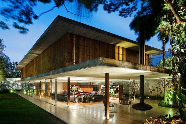 Exterior-Design-Luxus-Eingang-mit-Überdachung