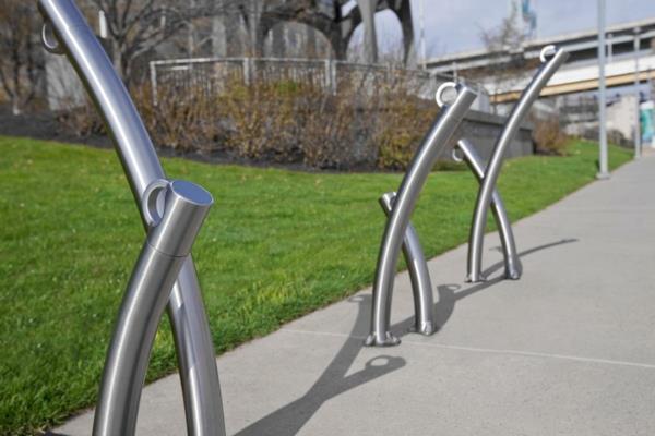 -Fahrrad-Ständer-Edelstahl-tolles-Design