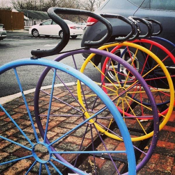 Fahrrad-Ständer-für-mehere-Fahrräder-in-verschiedenen-Farben