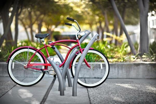 Fahrradständer-aus-Edelstahl-mit-schönem-Design