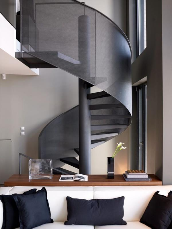 Faszinierende-Innentreppe-Schwarz-Design-Idee
