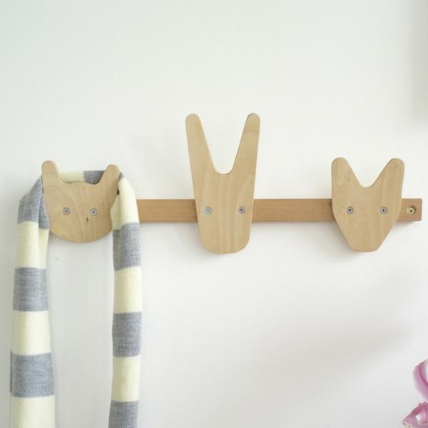 Garderobenhaken-Holz-für-das-Kinderzimmer