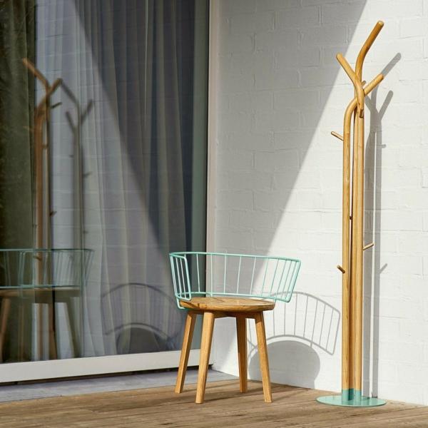 -Garderobenständer-Holz-mit--originellem-Design