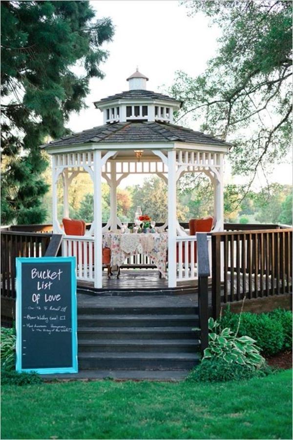 Gartenlaube-Tischdeko-Hochzeit-Hochzeitsideen-Vintage-Tischdeko-Ideen