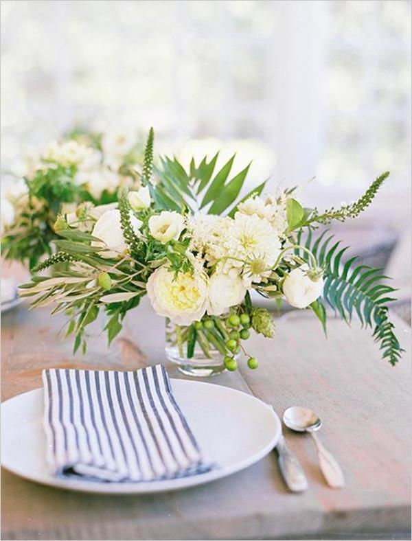 Hochzeitdeko-fantastische-elegante-und-stilvolle-Ideen-zur-Dekoration-mit-weißen-Rosen