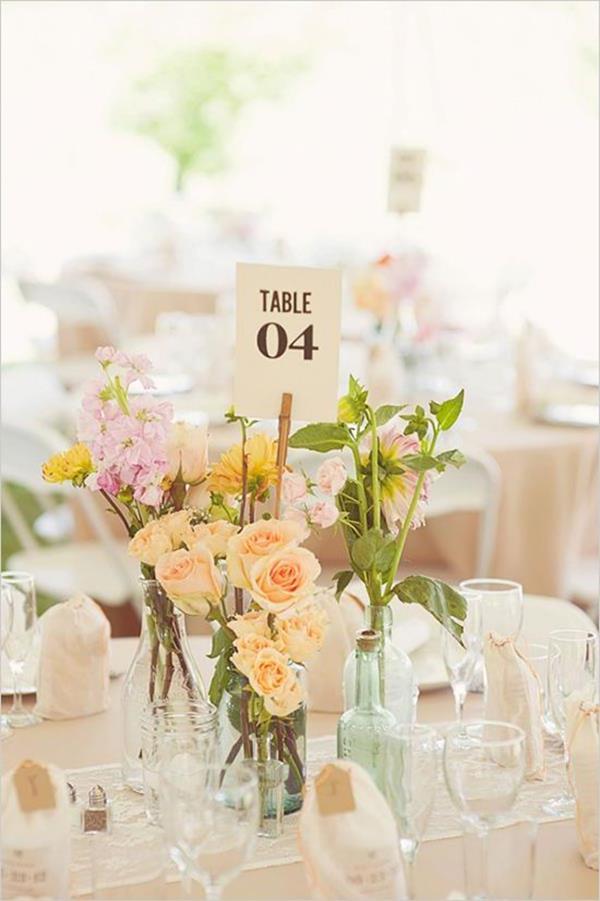 Hochzeitsdeko-günstig-Hochzeitsdeko-selber-machen-Blumendeko-für-Tisch-
