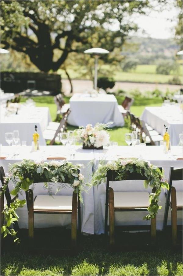 Hochzeitsdeko-günstig-Hochzeitsdeko-selber-machen-Blumendeko--für-Tisch--Vintage Hochzeit