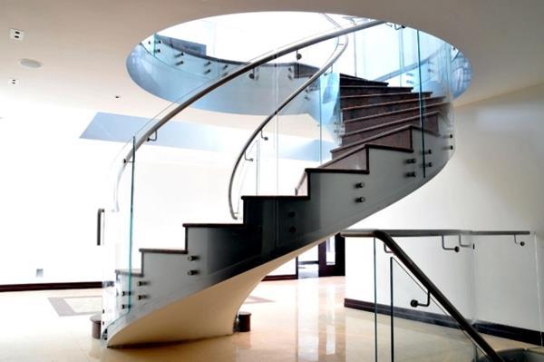 Ideen-für-das-moderne-Interior-Design-Innentreppe-Spindeltreppe-