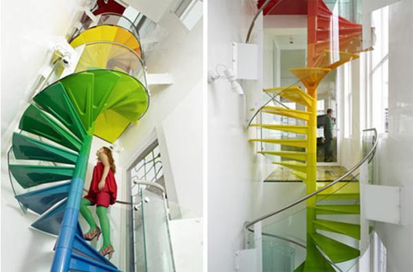 Ideen-für-das-moderne-Interior-Design-Innentreppe-in-vielen-Farben