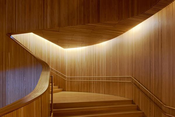 Innenarchitektur-tolle-Ideen-für-eine-moderne-Innentreppe