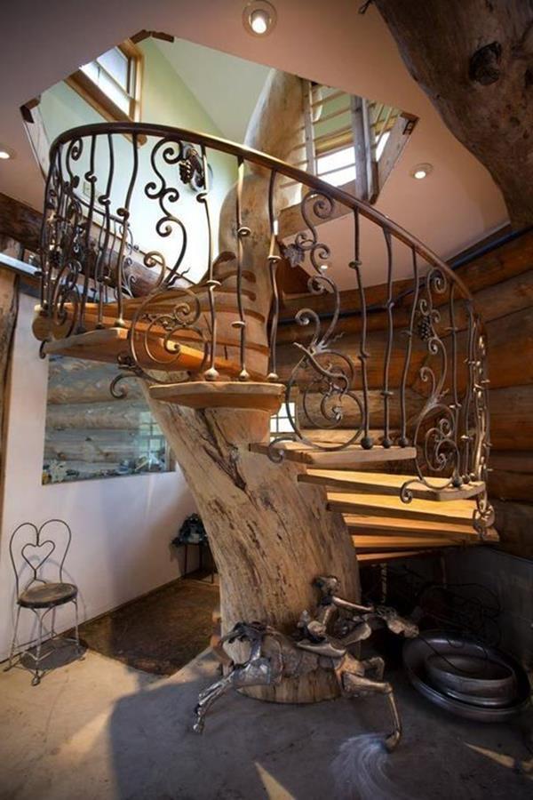 Innentreppe-Antik-ein-faszinierendes-Design-Spindeltreppe