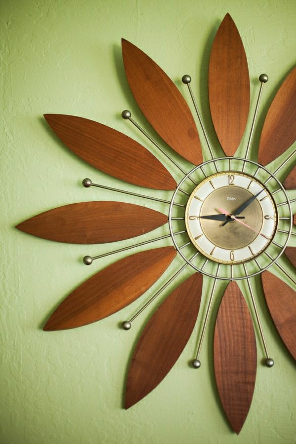 Interior-Design-Idee-wunderschöne-moderne-Wanduhr-mit-faszinierendem-Design