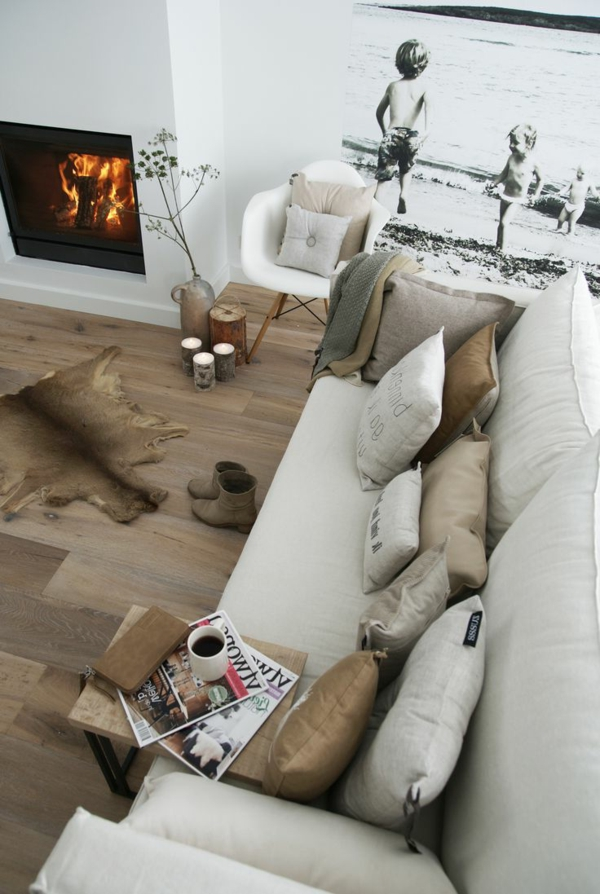 Interior-Design-Ideen-Bodenbeläge-aus-Holz-Ledersofa-Teppich