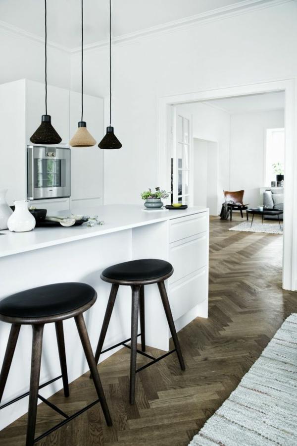 Interior-Design-Ideen-Bodenbeläge-aus-Holz-in-der-Küche