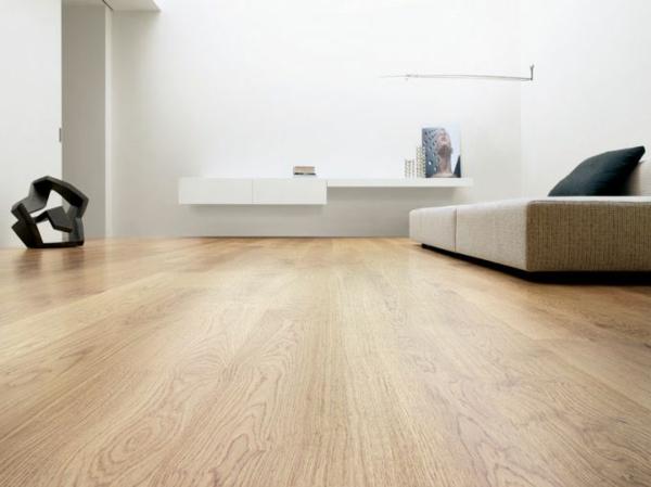 Interior-Design-Ideen-Bodenbelag-aus-Holz-im--Wohnzimmer