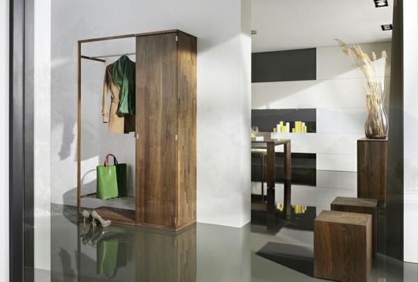 Interior-Design-Ideen-Flurmöbel-aus-Holz-Kleiderständer