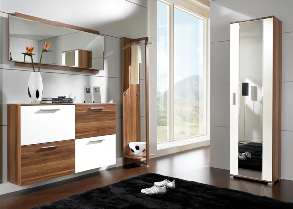 Interior-Design-Ideen-Flurmöbel-aus-Holz-in--zwei-Farben