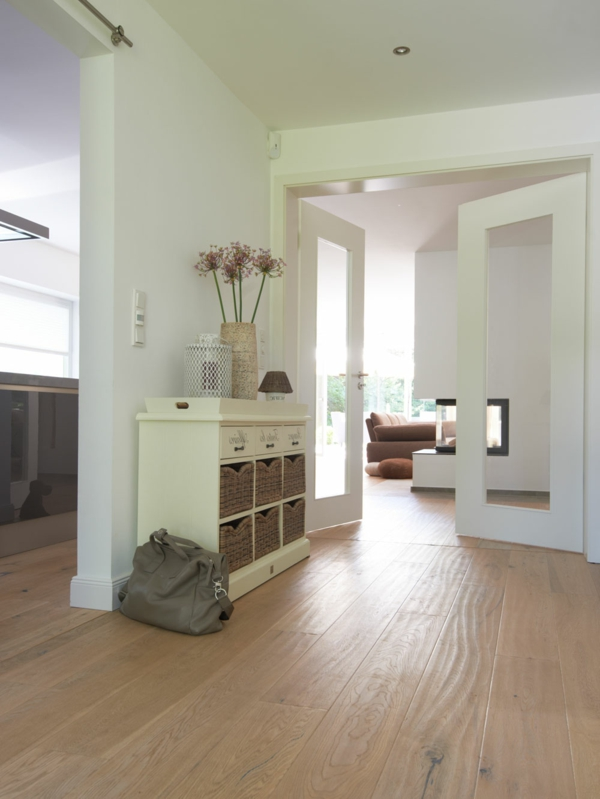 Interior-Design-Ideen-Flurmöbel-aus-Holz