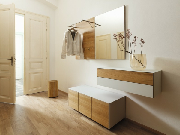 Interior-Design-Ideen-schöne-Dielenmöbel-und-Spiegel