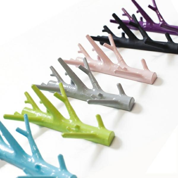 Kleiderhaken-effektvolle-Lösung-für-Aufhängen-von-Kleidern--tolle-Farben