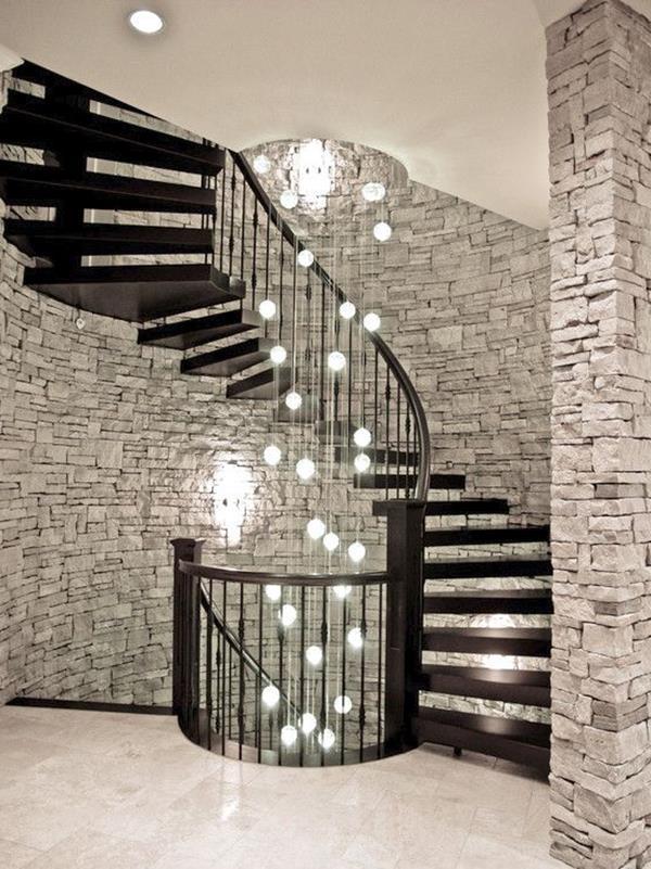 Luxus-Interior-Design-Ideen-faszinierende-Innentreppe-in-Schwarz