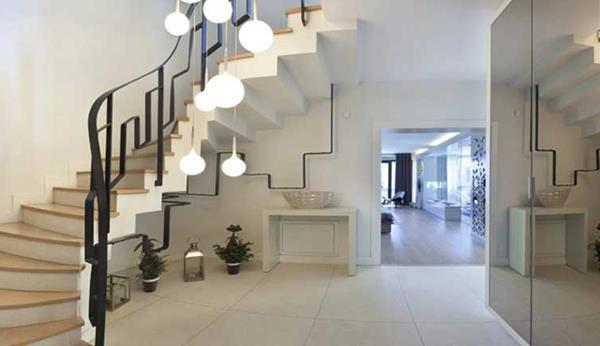 -Luxus-Interior-Design-Ideen-faszinierende-Innentreppe