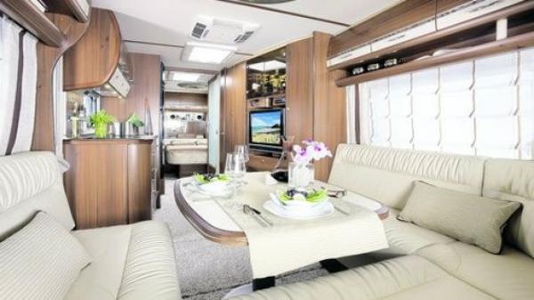 Luxus-auf-Raedern-Wohnwagen