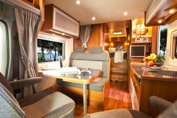 Luxus-vWohnmobile-mit-vfantastischem-Interior
