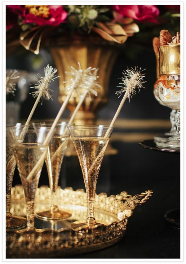 Silvester-Dekoration-Ideen-Cocktails-mit-Dekoration