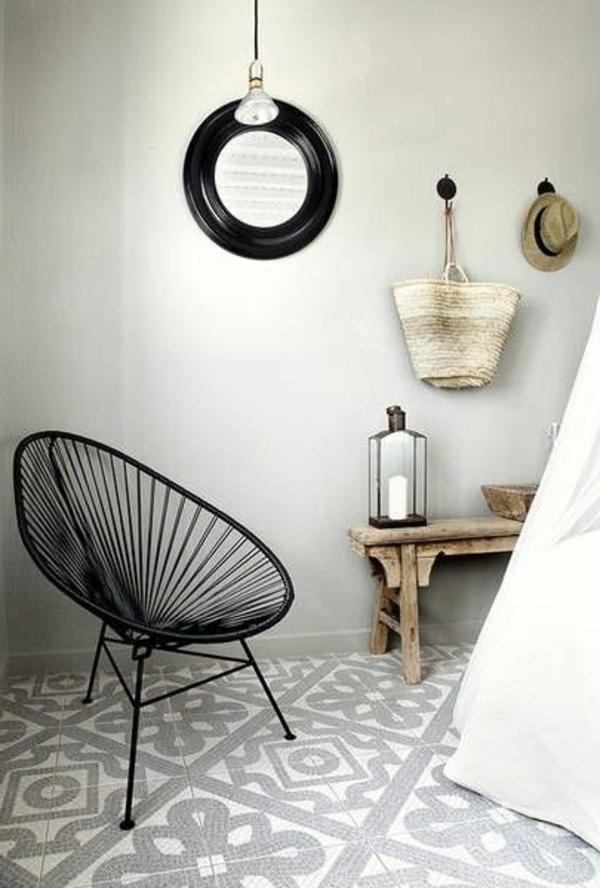 Sitzbank-aus-Holz-für-einen--tollen-Flur-