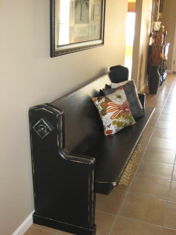 -Sitzbank-aus-Holz-für-einen-tollen-Flur-