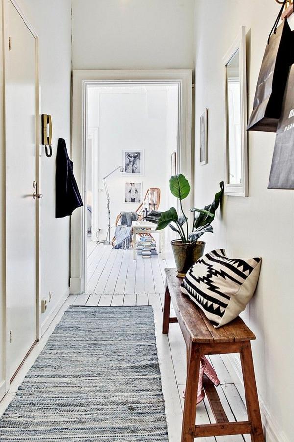 Sitzbank-aus-Holz-für-einen-tollen-Flur-hölzerne-Bank