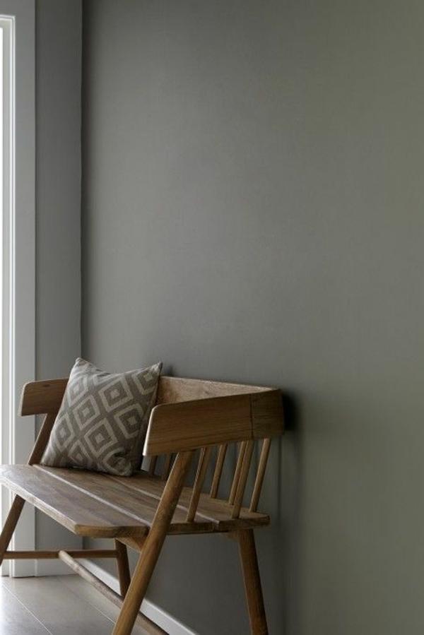 Sitzbank-aus-Holz-für-einen-tollen-Flur