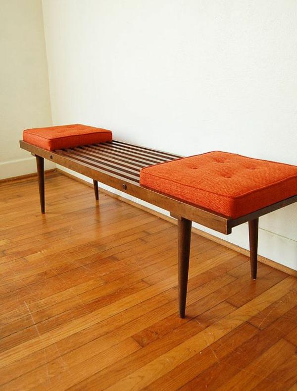 -Sitzbank-aus-Holz-für--einen-tollen-Flur