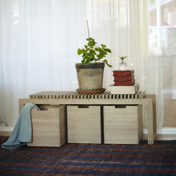 Sitzbank-für-den-Flur-mit-tollem-Design-mit-Platz-zur-Aufbewahrung