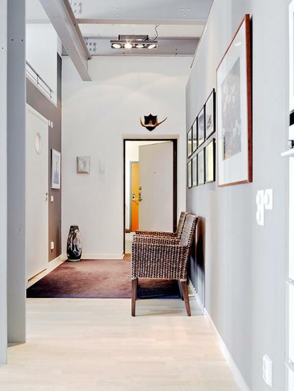Skandinavisches-Design-einen-modernen-Flur-mit-Sitzbank-gestalten