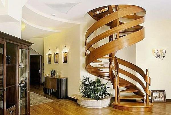 -Spindeltreppe-im-Hause-haben-modernes-Design-