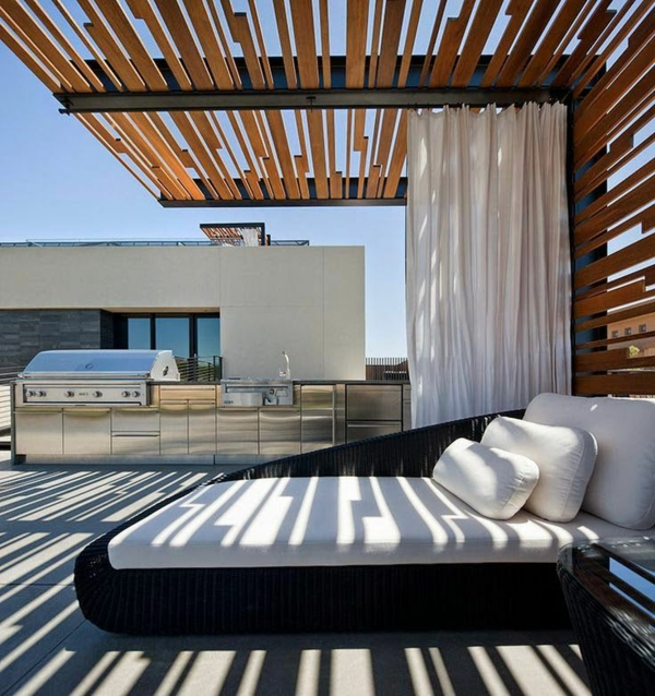 Super-Terrasse-zum-Relax-mit-Loungemöbeln