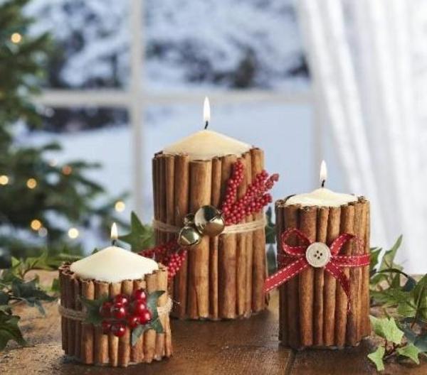 Tischdeko-zum-Weihnachten-mit-wunderschönen-Dekorationen-mit-Kerzen